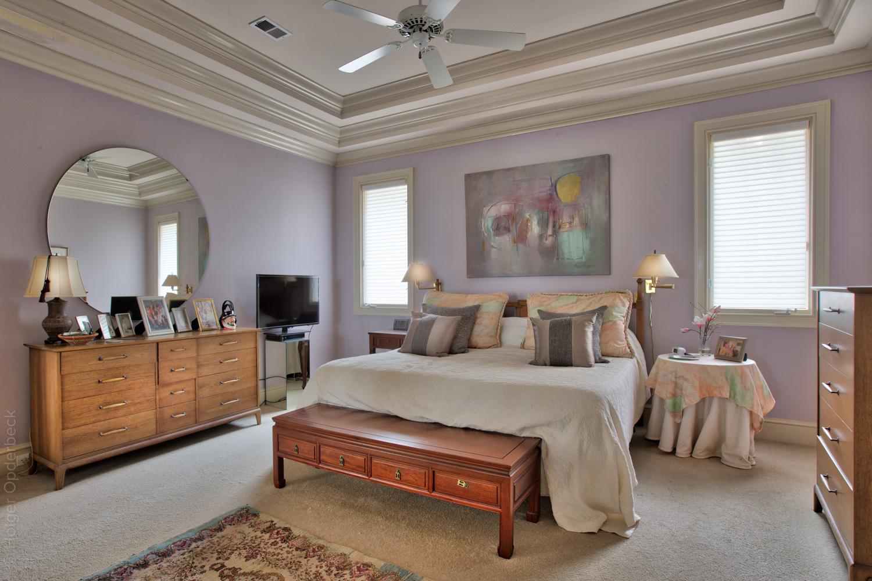 160 master-bed-mirror.jpg