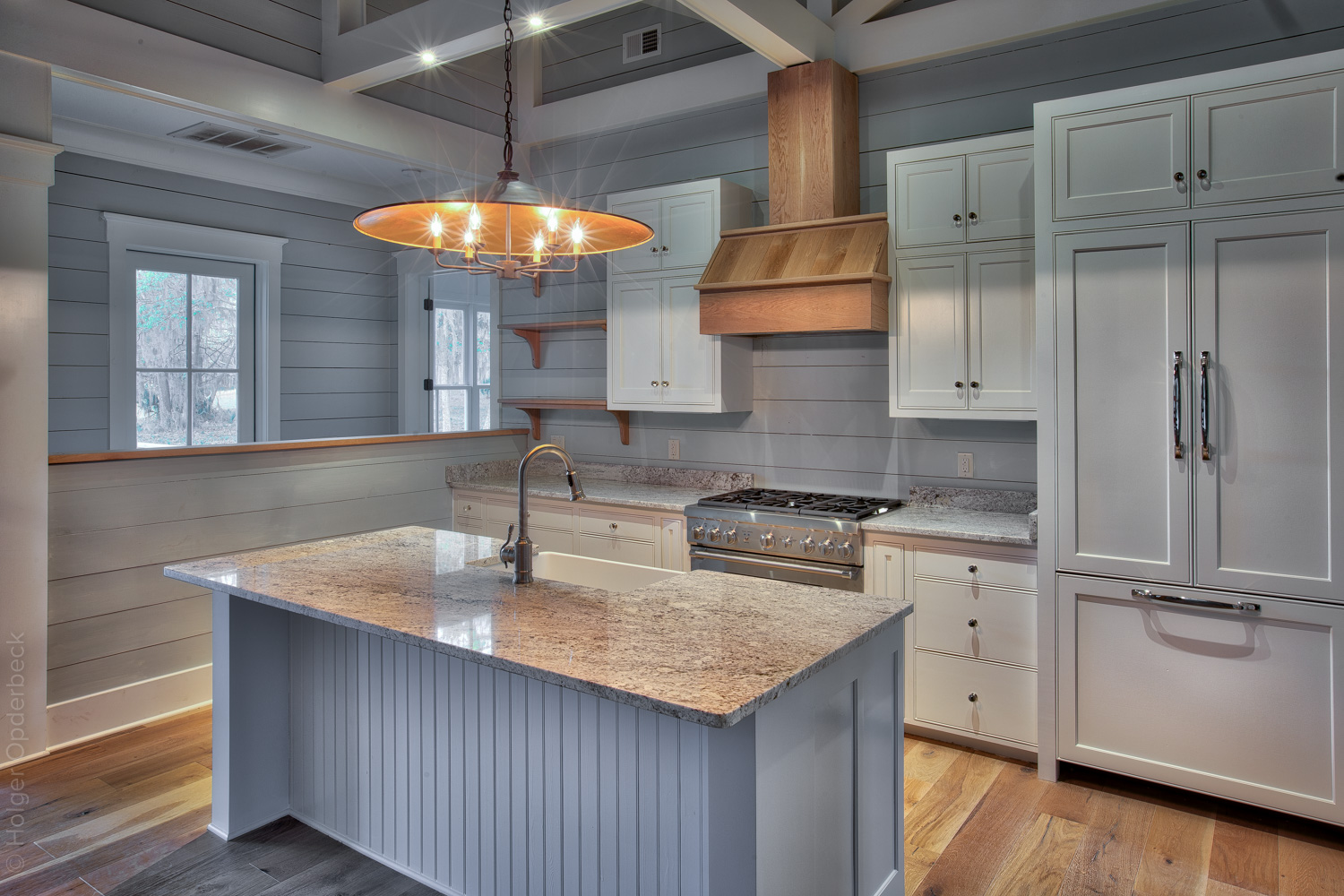 013 kitchen-back.jpg