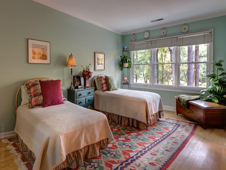 240 upper-bedroom-PS1.jpg