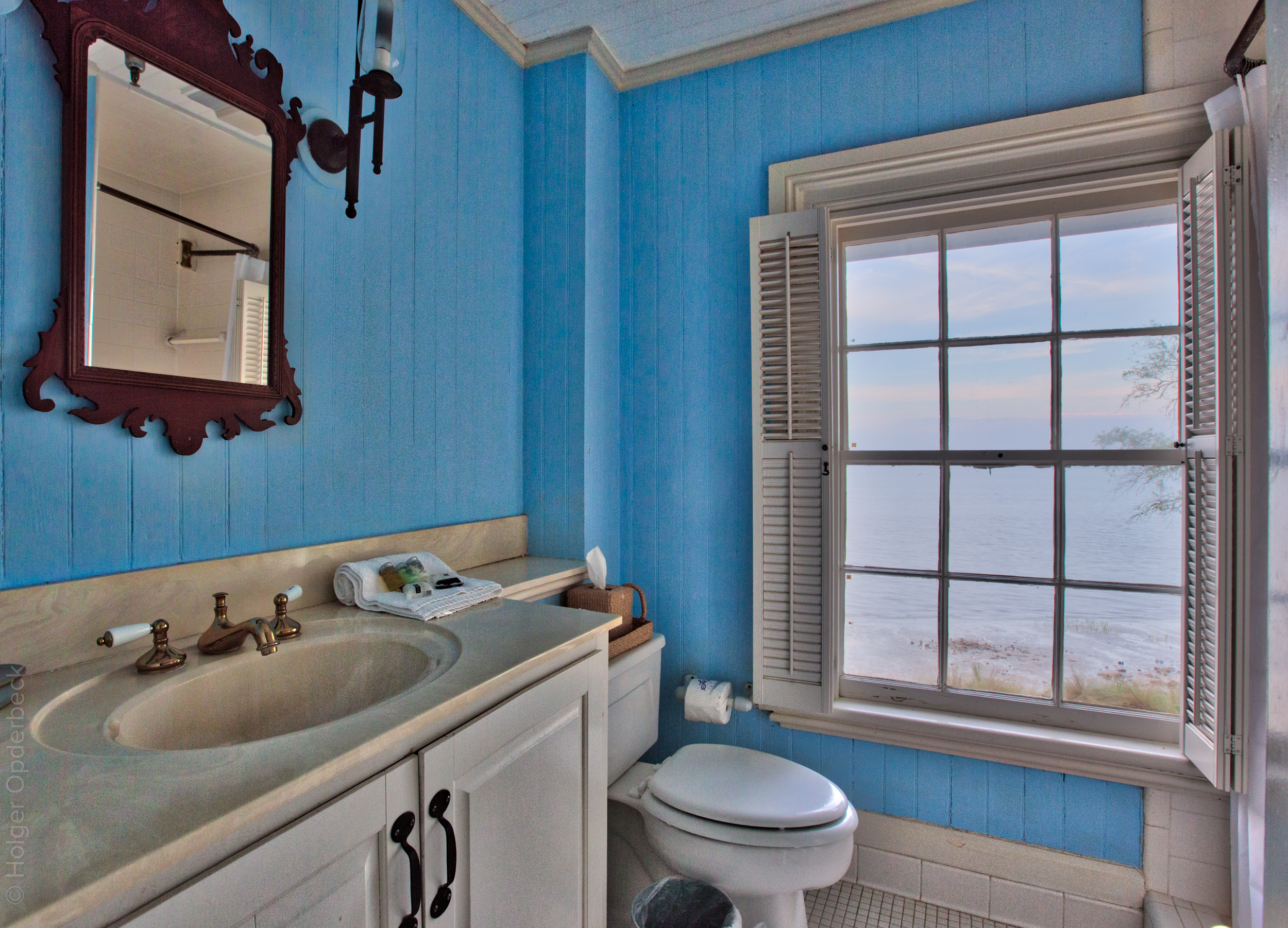 blodgett-bathroom.jpg