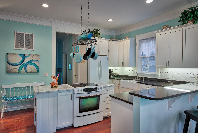 090 kitchen-fridge.jpg