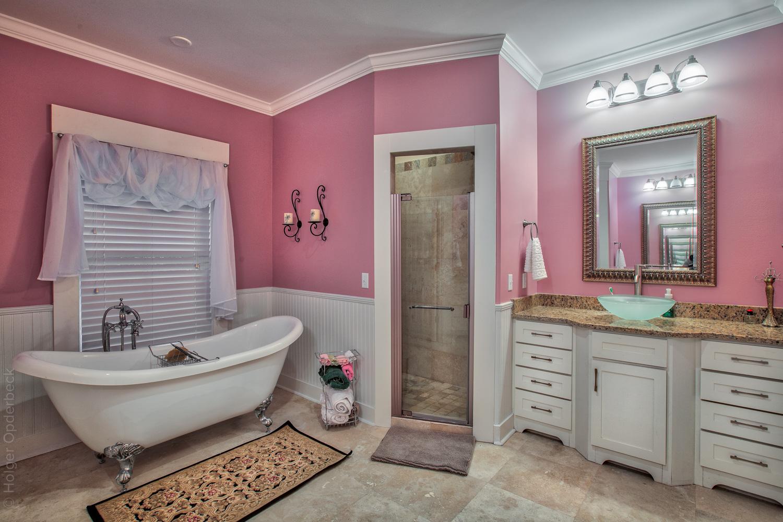 130 master-bath.jpg