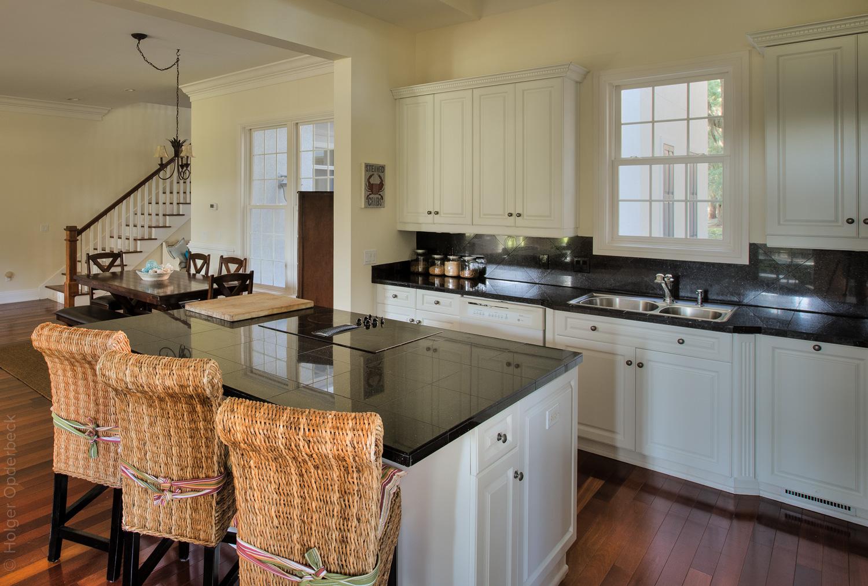 100 kitchen-dining.jpg