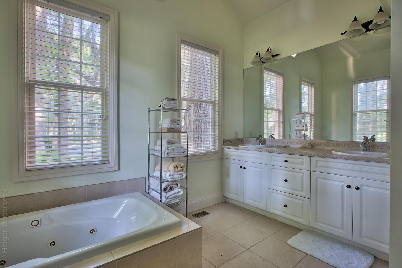 190 bathroom-one.jpg