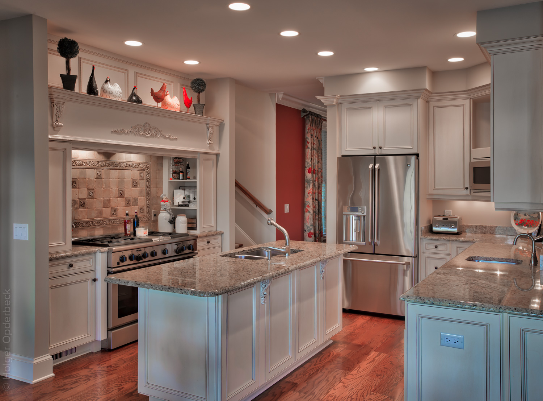 150 kitchen.jpg