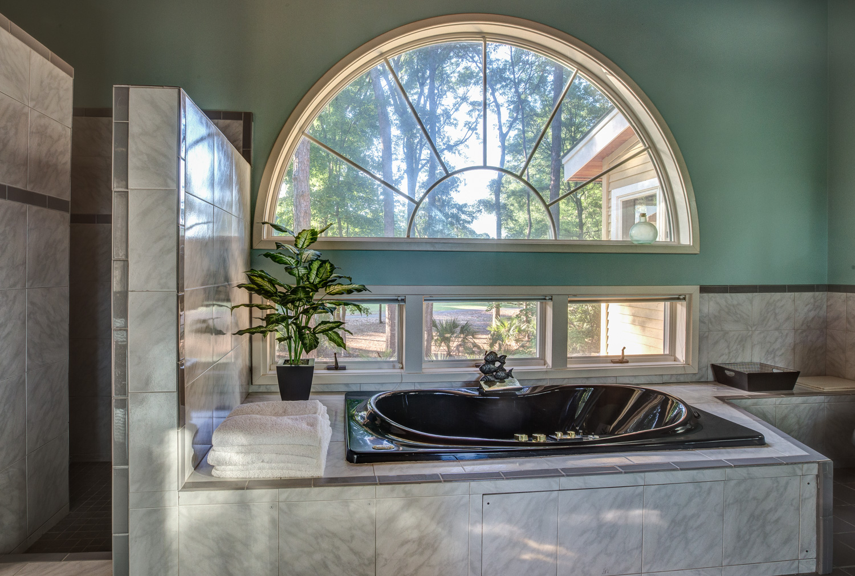 010 master-bath-window.jpg