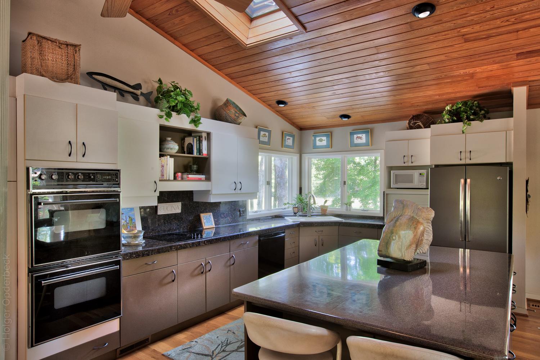 110 kitchen-fridge.jpg