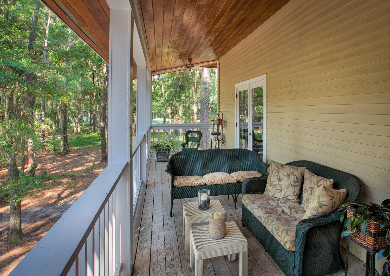 320 porch-golf.jpg