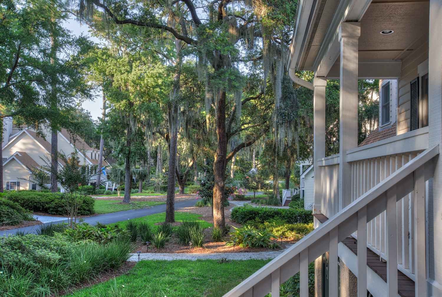 070 front-porch-view.jpg