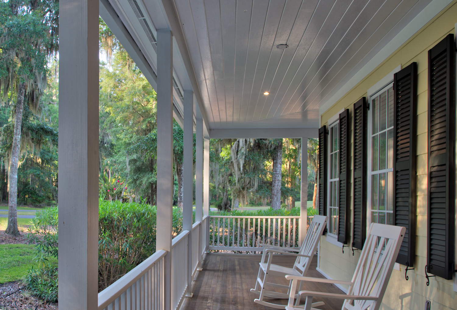 110 front-porch.jpg