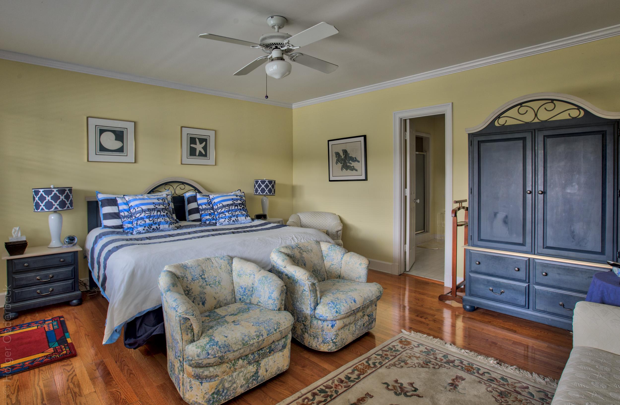 160 master-bedroom.jpg