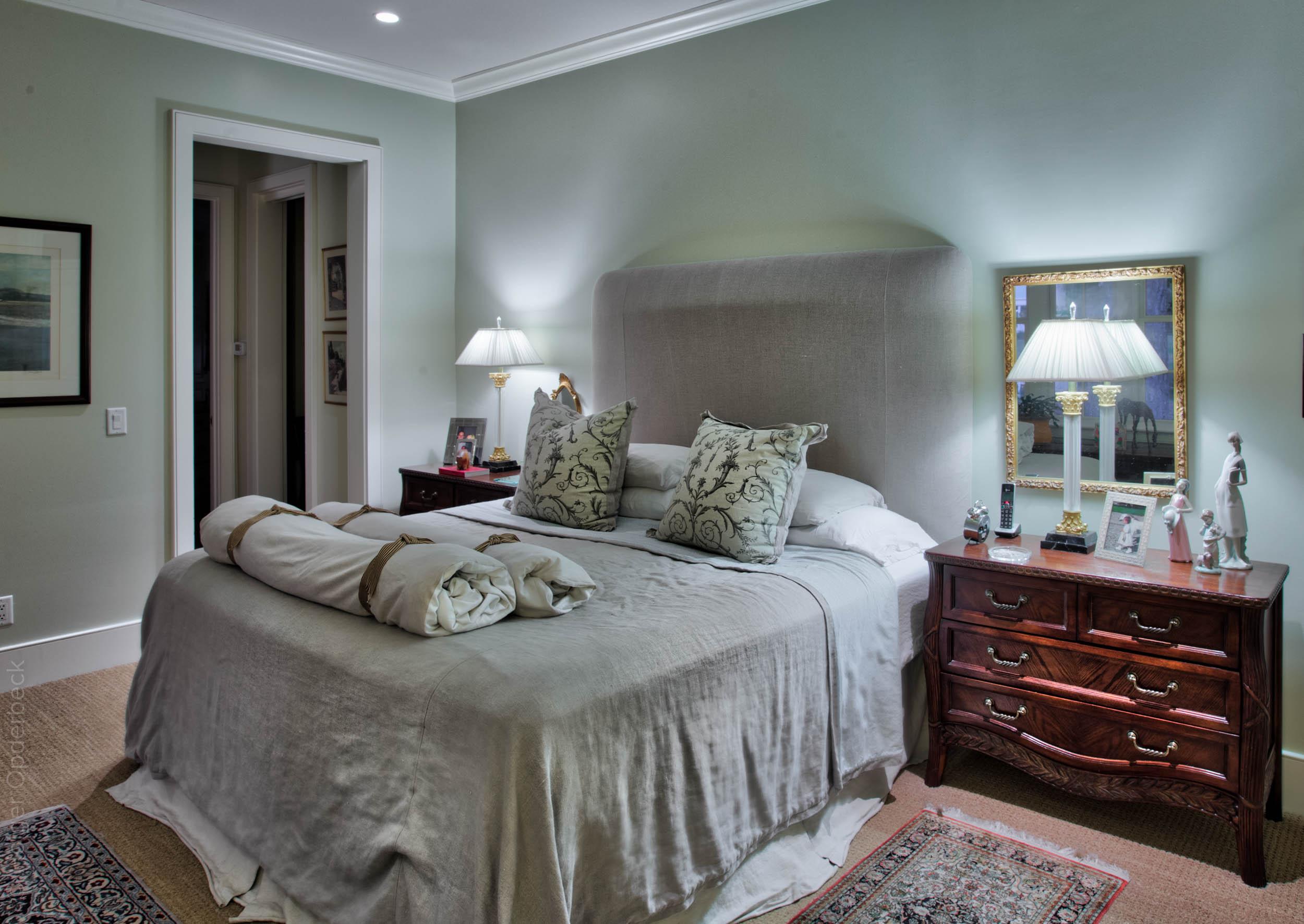 330 master-bedroom.jpg