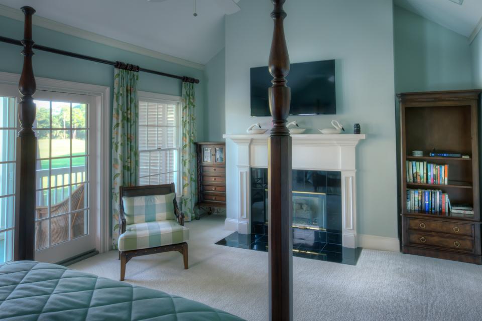 master-bedroom-tv-PS1.jpg