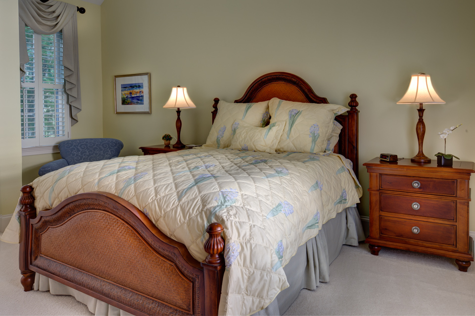 upstairs-bedroom-PS1.jpg