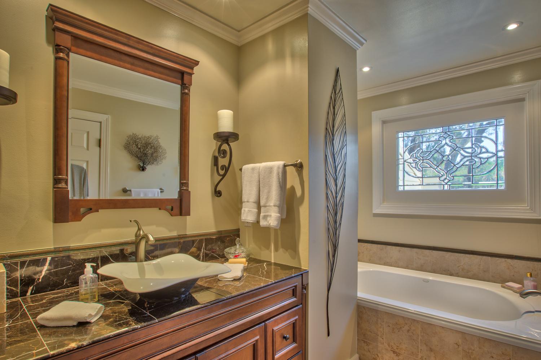 master-bath-tub.jpg