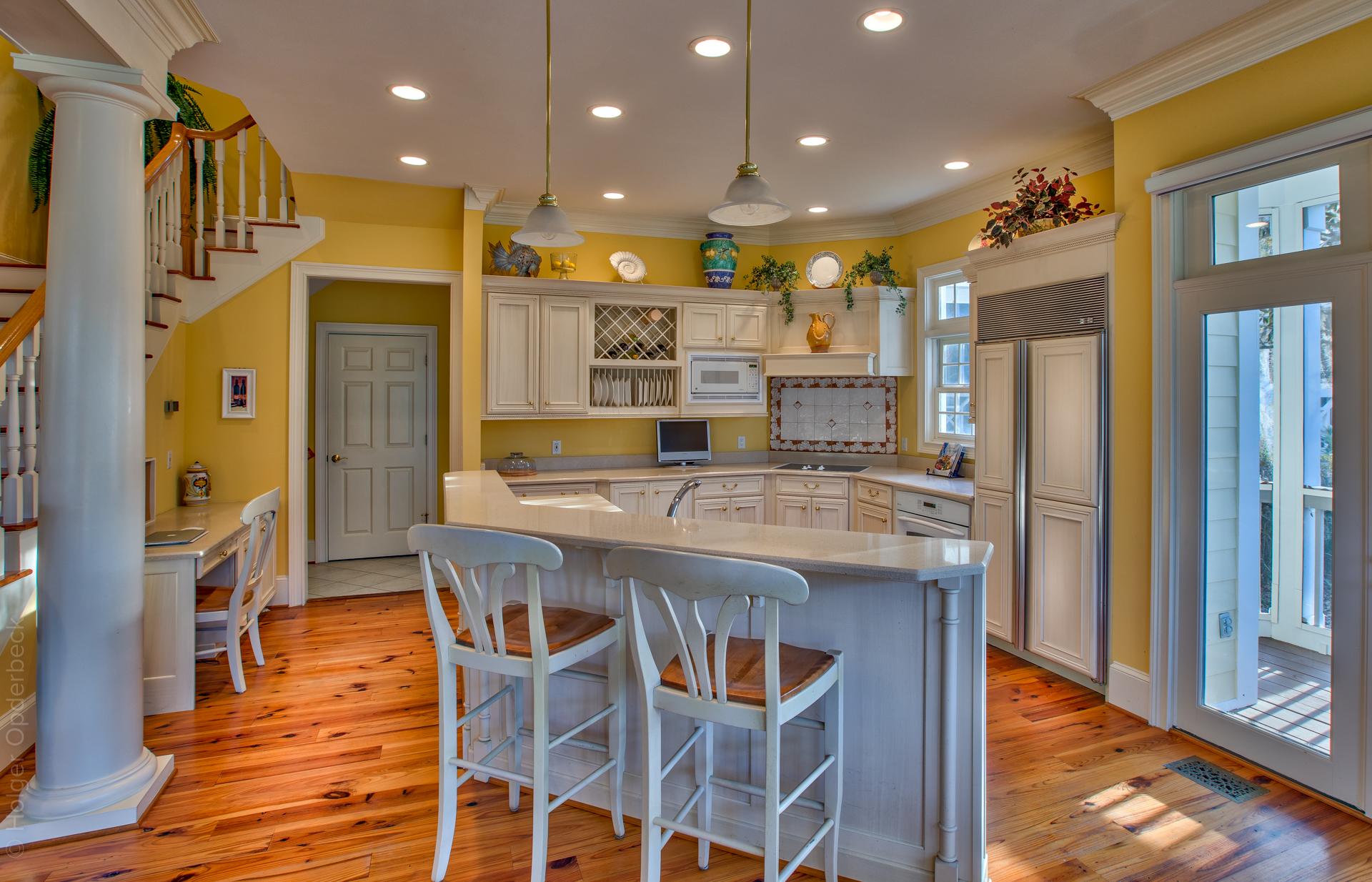 kitchen-bar.jpg