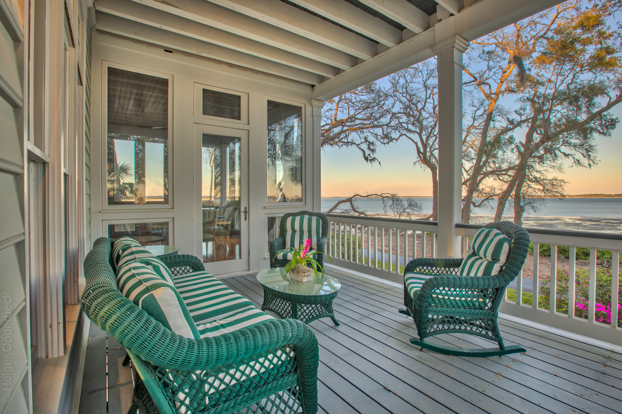 living-porch-left.jpg