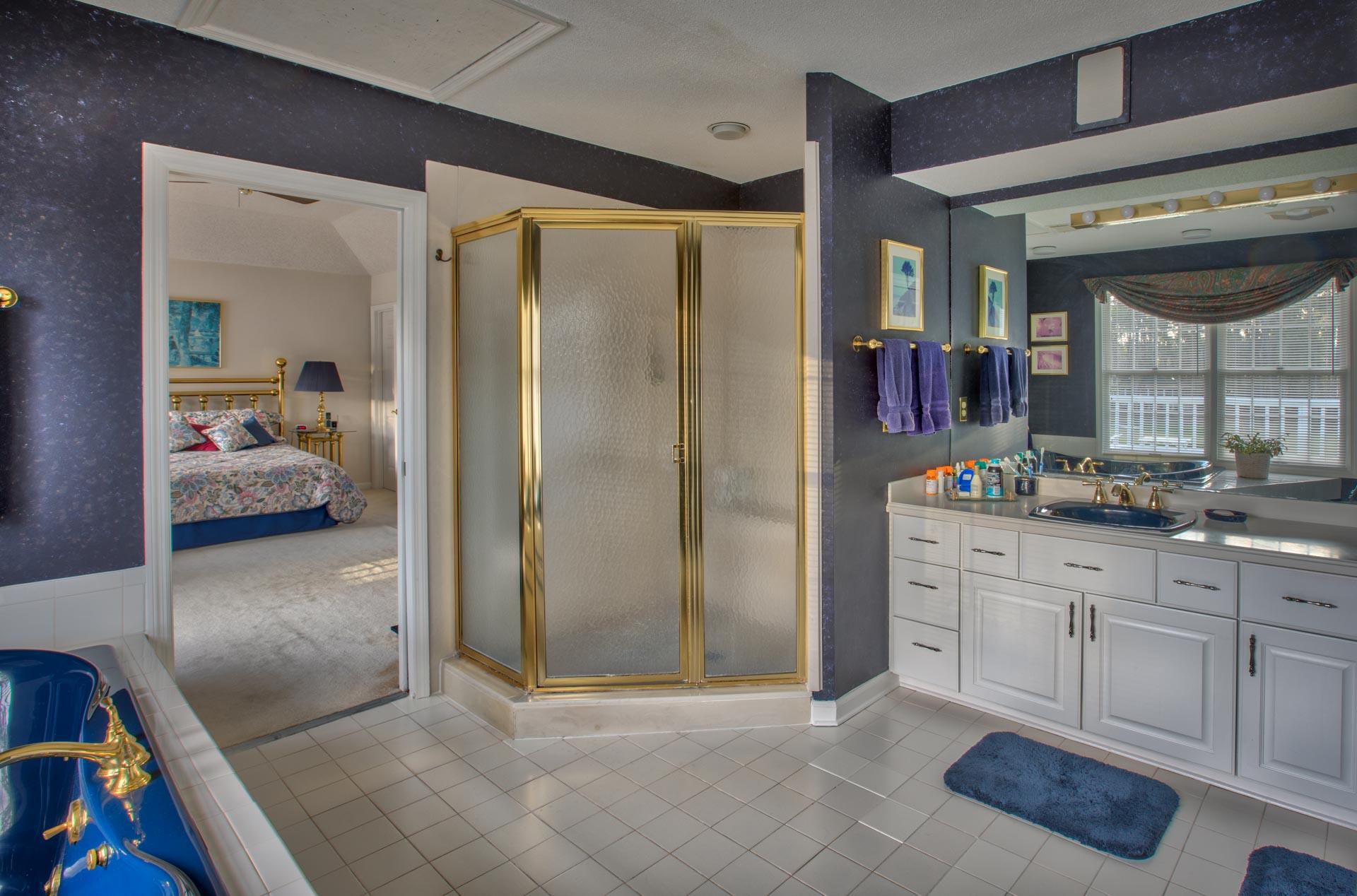 bedroom-master-sink.jpg