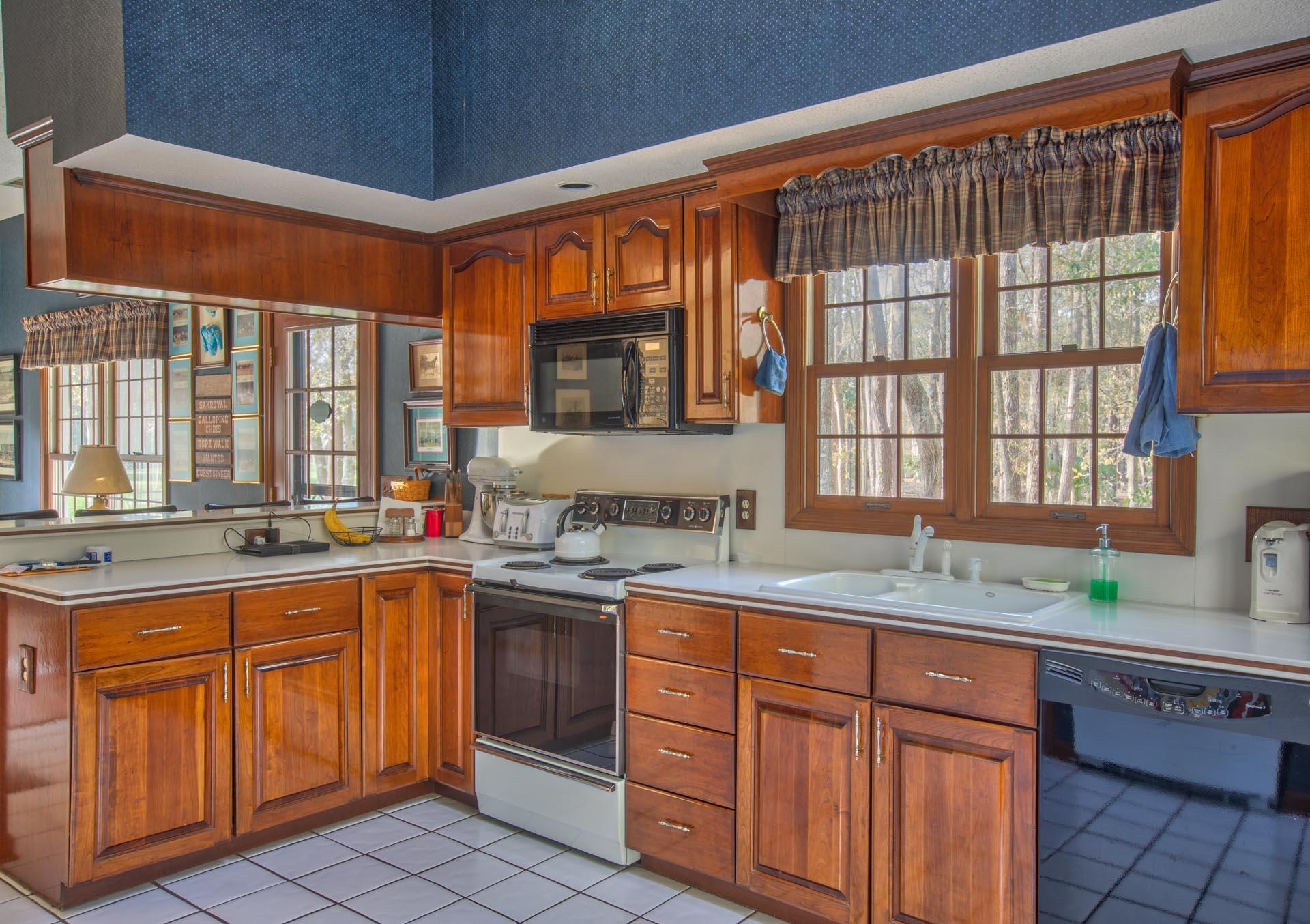 living-kitchen-inside.jpg
