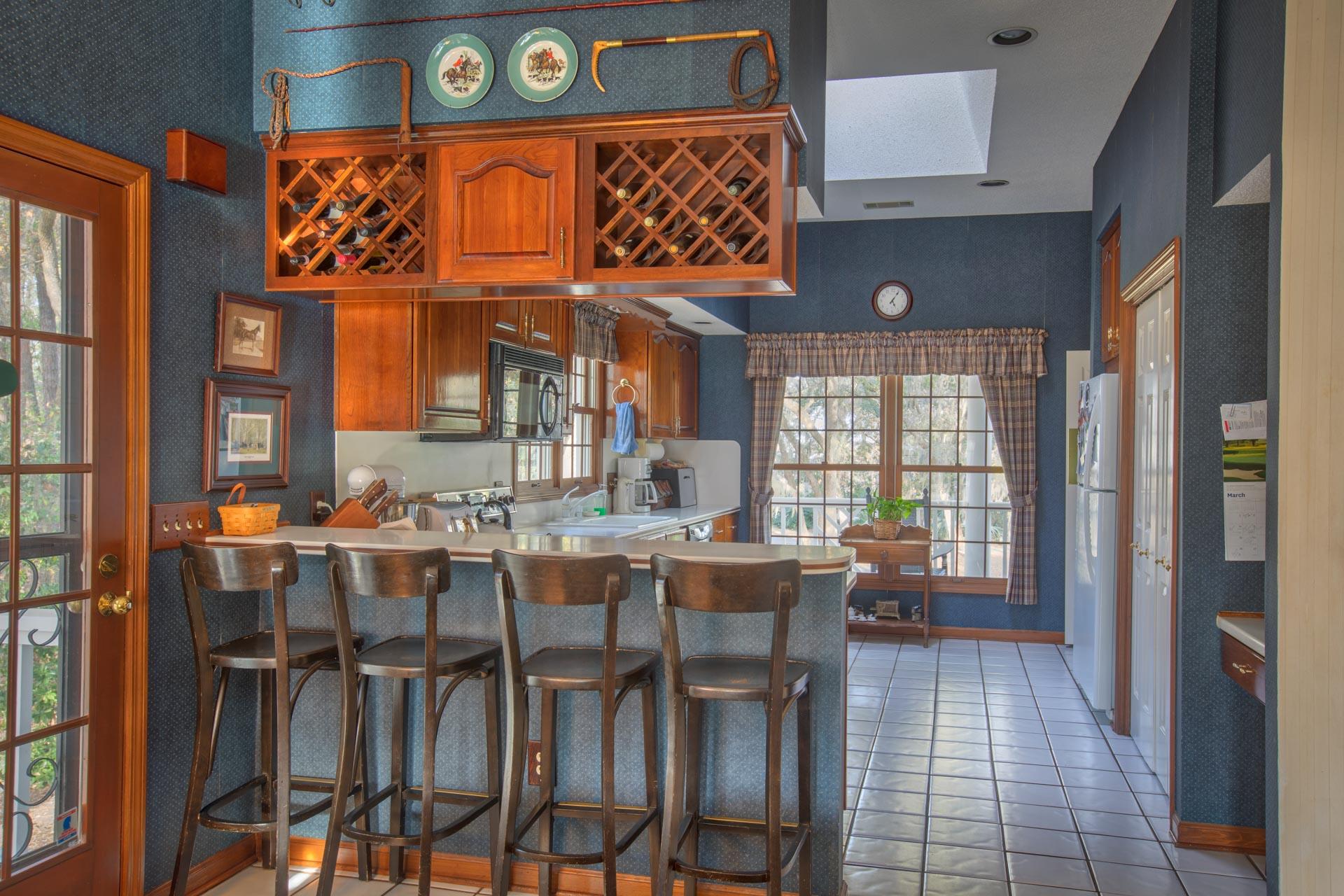 living-kitchen-straight.jpg