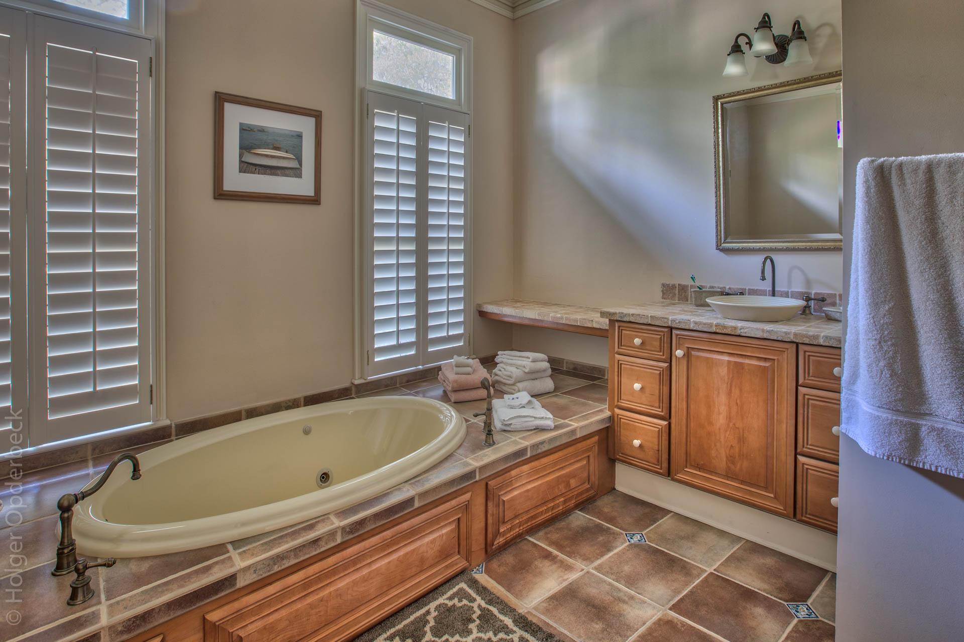 master-bath-right.jpg