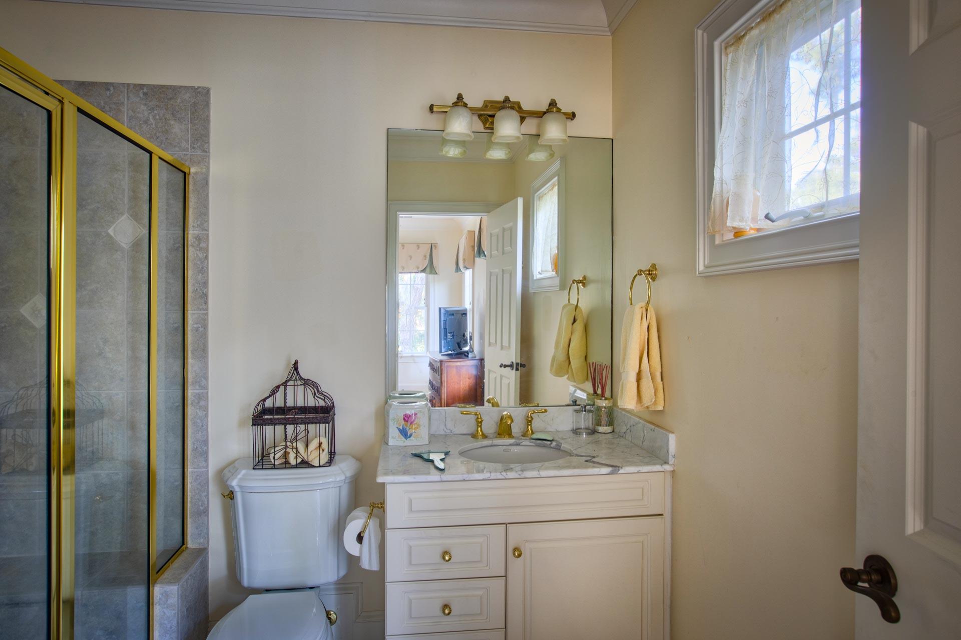 bedroom-bath-two-P.jpg