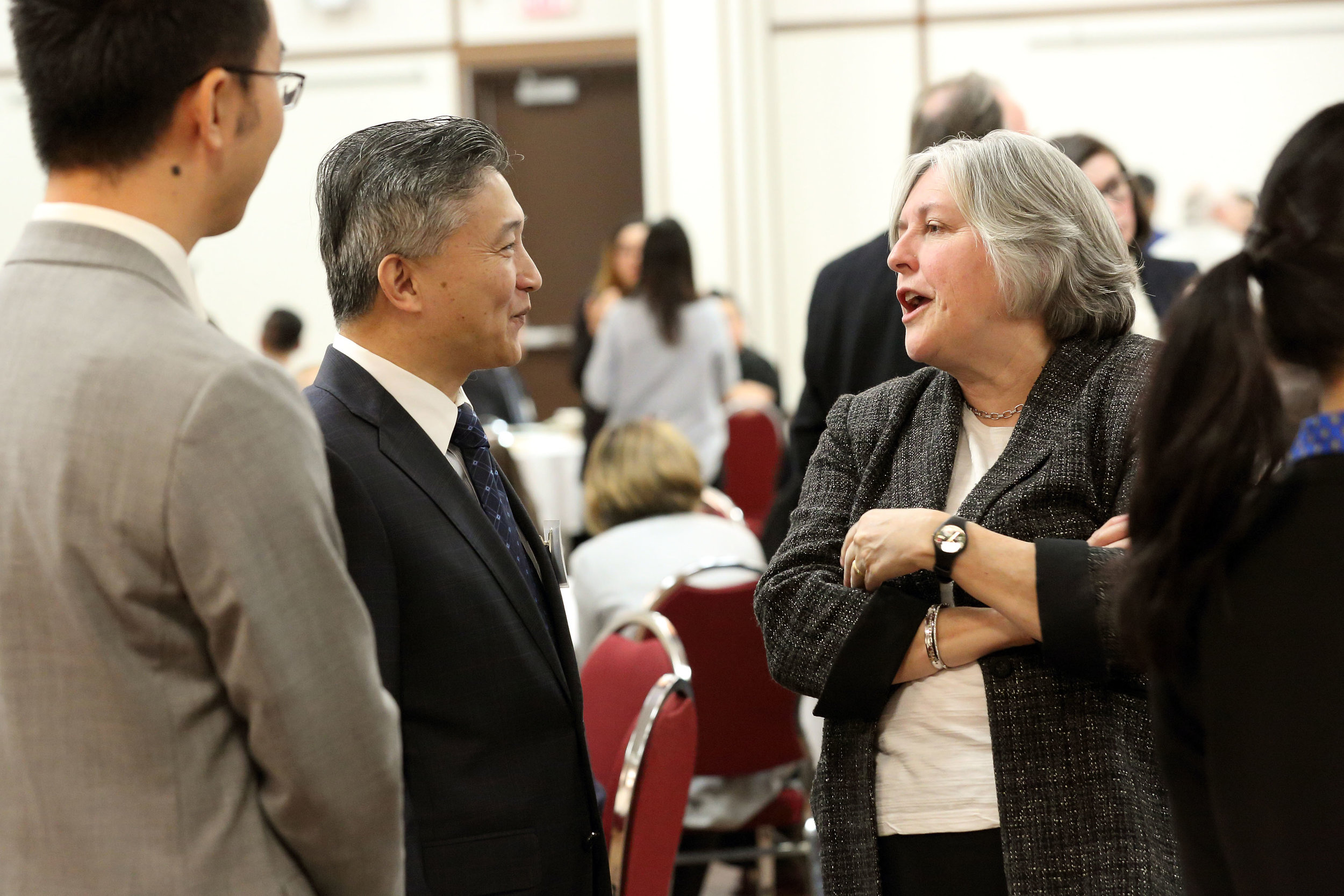Minister and Counsellor Xia Xang, Embassy of the People's Republic of China to Canada, with Dean Pat Bradshaw, Sobey School of Business