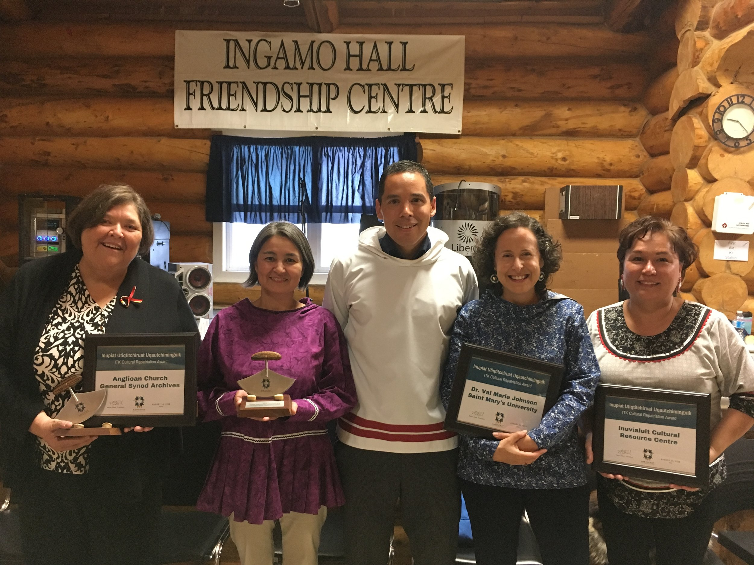 2018 Inuit Tapiriit Kanatami Awards and Feast, Ingamo Hall Friendship Centre, Inuvik NWT. Pictured from the left are Nancy Hurn (Anglican Archives), Deanna Marie Jacobson, (Inuvialuit Cultural Resource Centre / ICRC), Natan Obed, (President of ITK), Val Marie Johnson (Saint Mary's University), Ethel-Jean Gruben (ICRC).