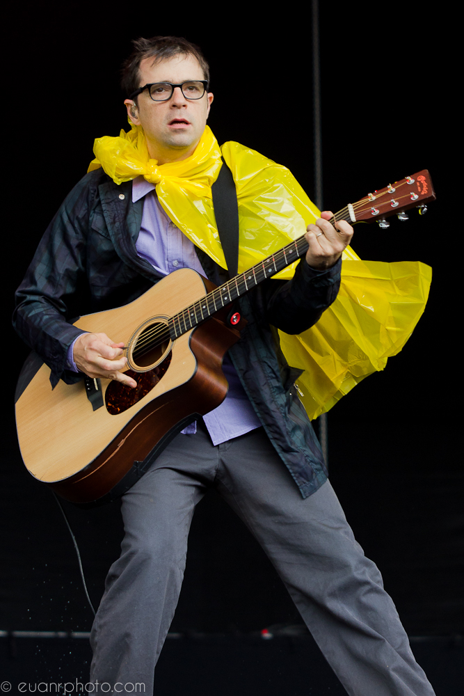Rivers Cuomo of Weezer joins in with the weather enforced fashion
