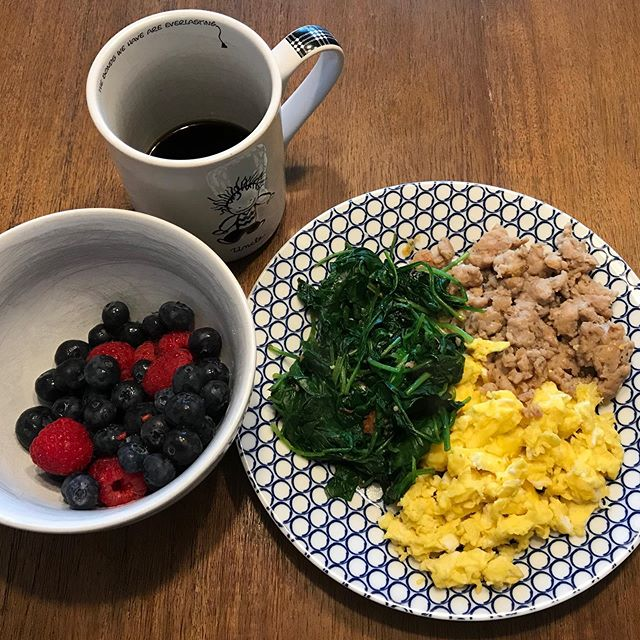 Fitness doesn't always have to be fancy. The latest fads and trends aren't necessary. ✅ Balanced brunch of many colored whole foods ✅ Long walk in sunny nature with loved ones 👨🍳 Tough to find a better recipe. . . . . .  #relentlessfitness #realworldfitness #highperformingpeople #mindsetiseverything #healthyhabits #fitfam #phillyfitness #yardleypa