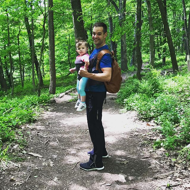 Real World Fitness 🌎 Use what you have, where you are, to achieve what you want to become. 👣 In this case, throwing on 40 pounds and hitting the trail was the right move. Happy Memorial Day weekend all! . . . . . #relentlessfitness #realworldfitness #highperformingpeople #ralphstoverstatepark #dadfitness