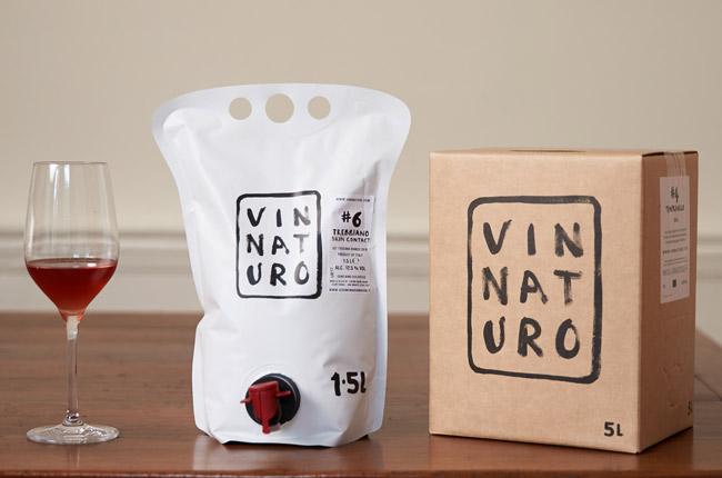Bag-in-a-box , bolsa e taça são algumas das alternativas para atender às novas demandas do consumidor de vinho (Crédito:  Decanter ).