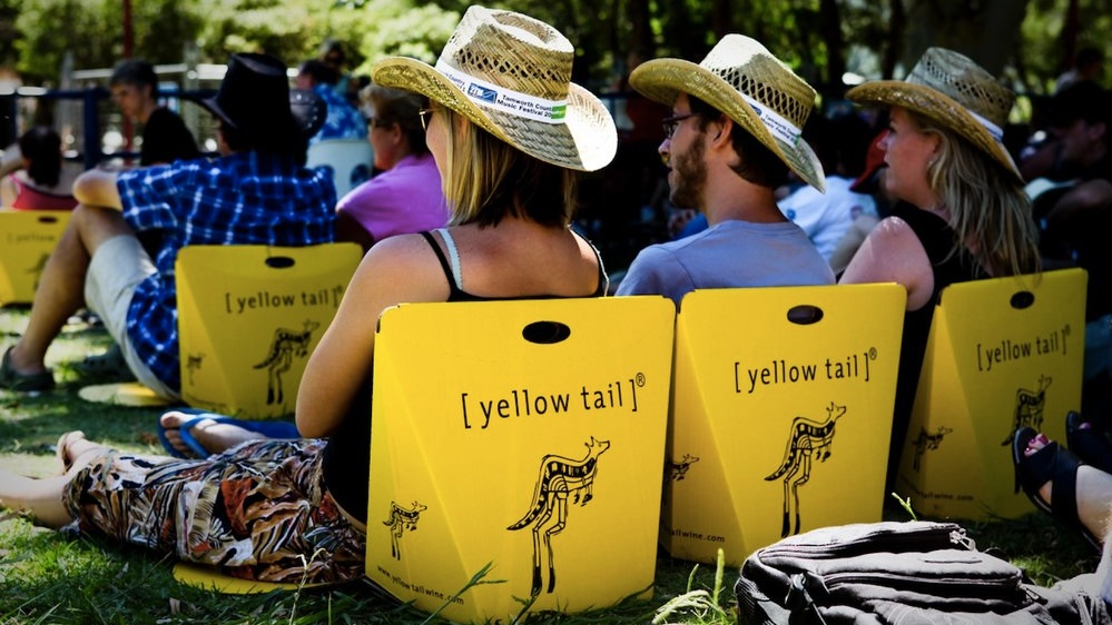 Enquanto players de médio porte enfrentam dificuldades, grandes marcas com estratégias de sustentadas de marketing seguem crescendo no mercado global do vinho (Crédito  Yellow Tail ).