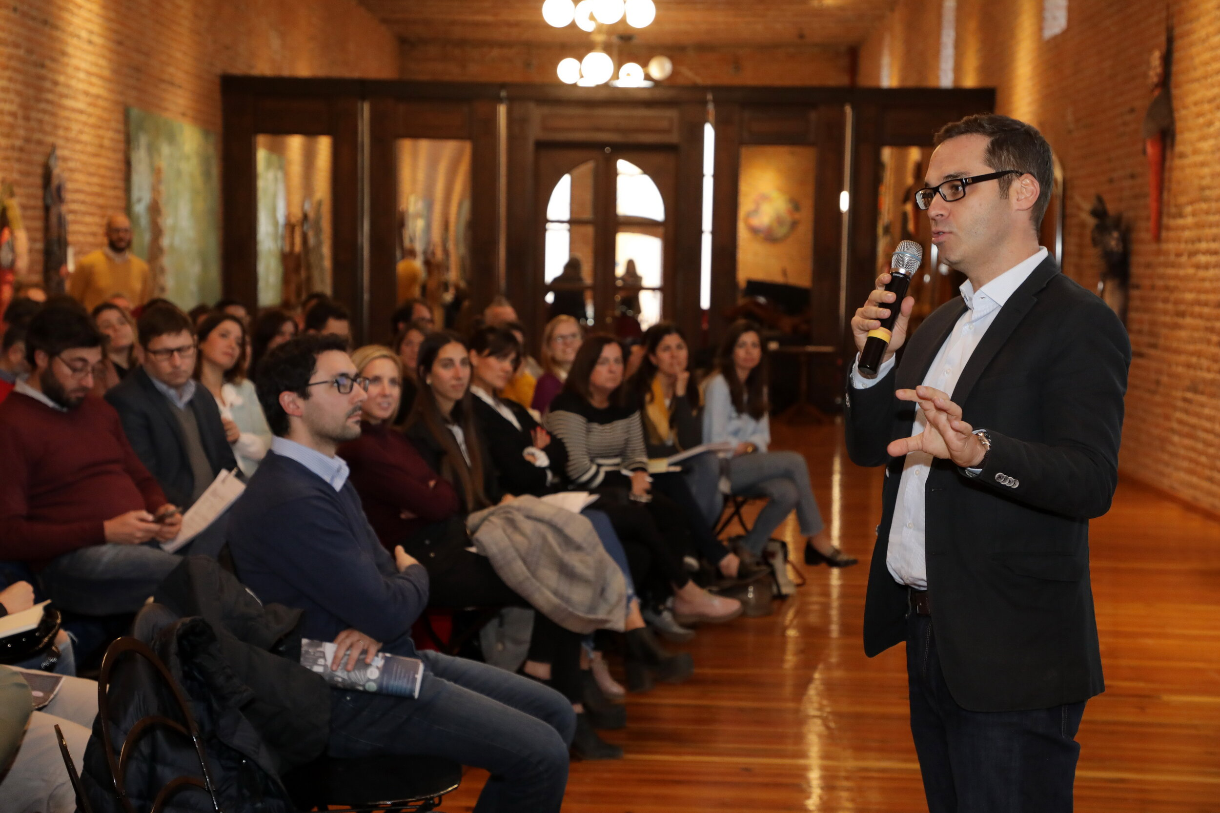 Analysing Brazil, Wine Intelligence's Country Manager Rodrigo Lanari brought positive perspectives for Argentinian wine to an audience of about 100 guests in Bodegas Caro, Mendoza. (Photo: Wines of Argentina)