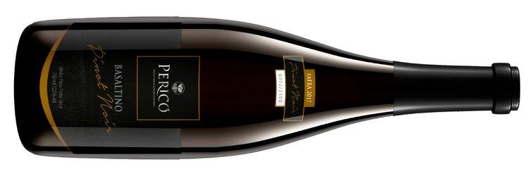 Situada no Vale do Pericó, 1.300 metro acima do nível do mar, a vinícola destaca-se pela produção de espumantes e vinhos tranquilos de altitude, como este Pinot Noir (Crédito: Pericó).