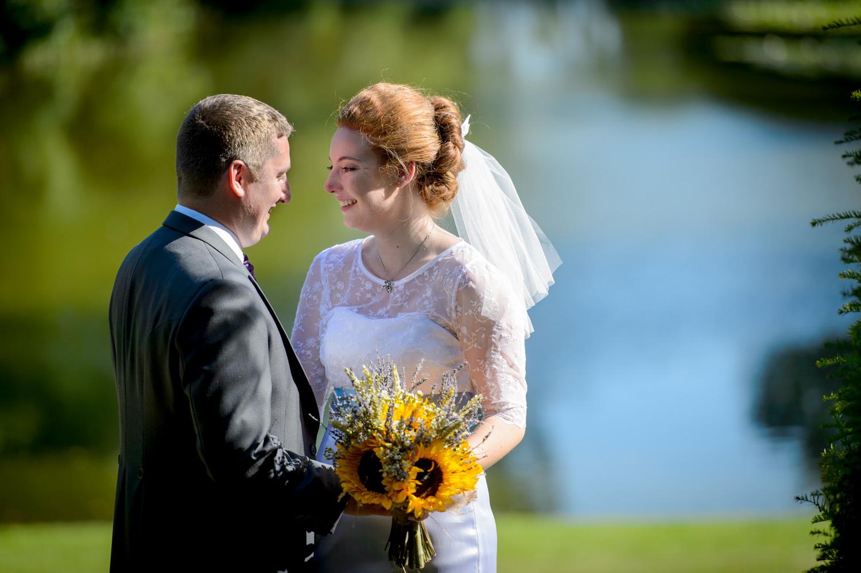 Hedingham-Castle-essex-wedding-photography-014.jpg