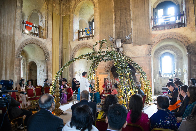 Hedingham-Castle-essex-wedding-photography-017.jpg
