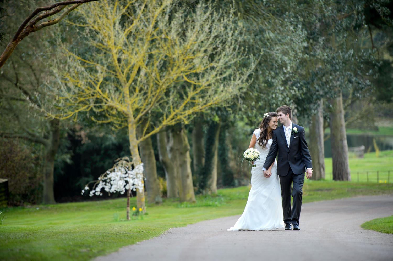 Hedingham-Castle-essex-wedding-photography-023.jpg