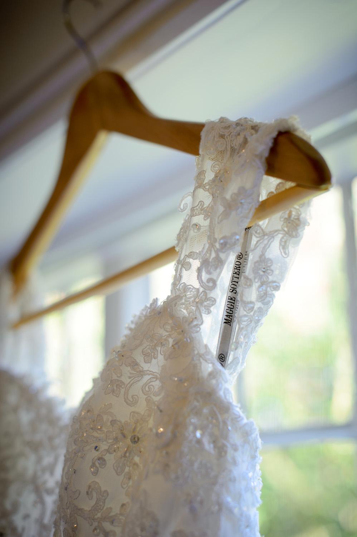 Hedingham-Castle-essex-wedding-photography-035.jpg