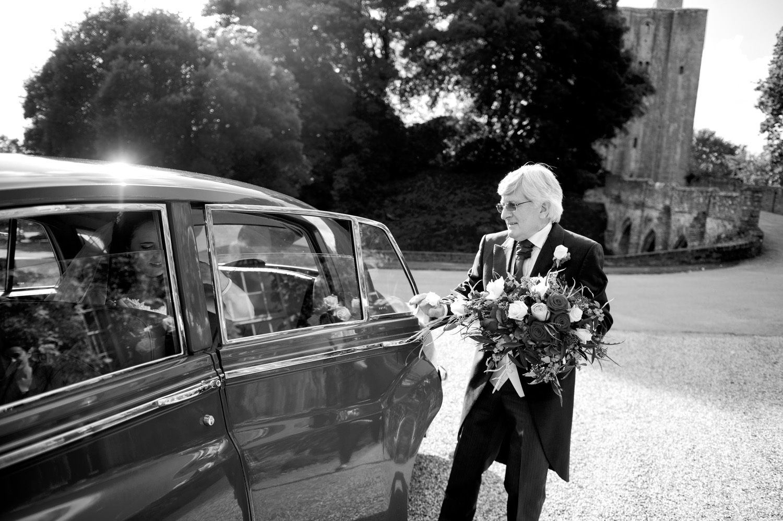 Hedingham-Castle-essex-wedding-photography-060.jpg
