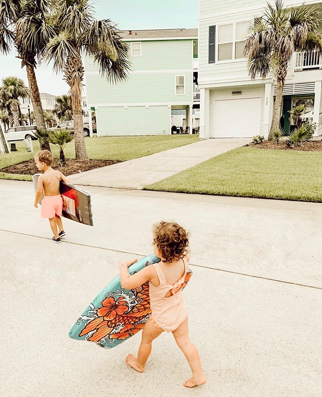 "| how was this only a week ago?! take me backkkk 😂☀️🌊🌴🌸 also, matt saw these little boogie boards at a gas station halfway through the trip and surprised the kids with them! and it was honestly the best thing ever😭 watching them go out with him, one at a time, and ""ride the waves"" together. ugh. my heart✨"