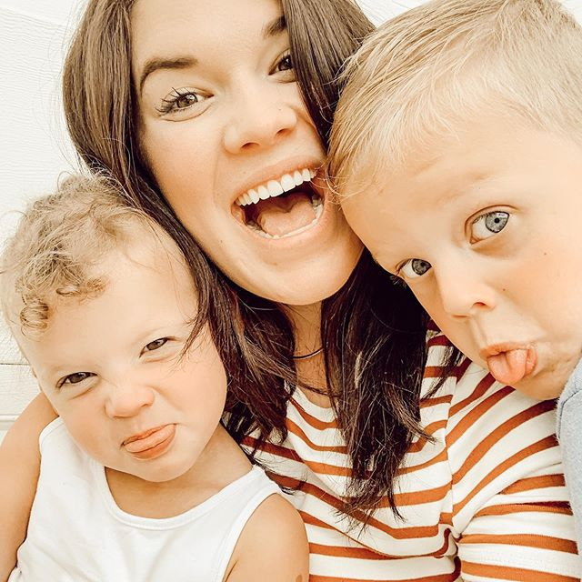 | y'all, these two have given me an absolute run for my money the last few weeks 🥴😬 lawdddd Jesus, fix it. matt's been working so much lately (and not getting to see daddy enough ALWAYS makes them crazy😖), my patience is at an all-time low, while exhaustion is at an all-time high. matt's burnt out, i'm burnt out. we're all just basically on fire over here 🔥😂🔥 no great pearls of wisdom today.. just wanted to share so that if you happen to be in the same place, you know you're not there alone haha. reminding myself that seasons come and seasons go. always. and even though this one is really, really hard right now, it WILL pass. Jesus is still on the throne. He hasn't changed. His grace remains. clinging to that hope... and the image of me drinking a big ass margarita in about 58 days 🤣�� over and out. love y'all�� #justincaseyouthoughtihadittogether👈�