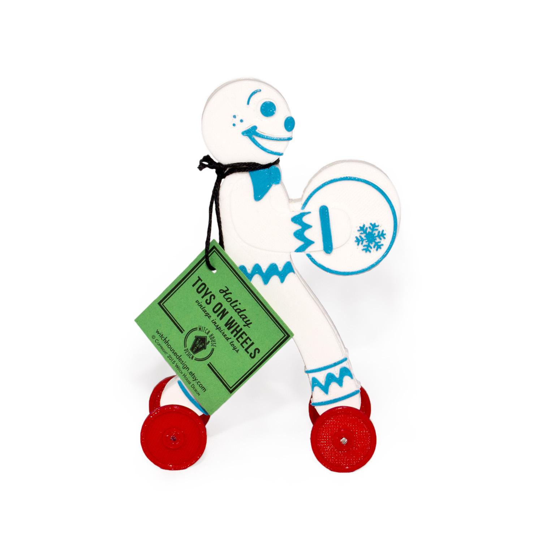 white_b_gingerbread_toy.jpg