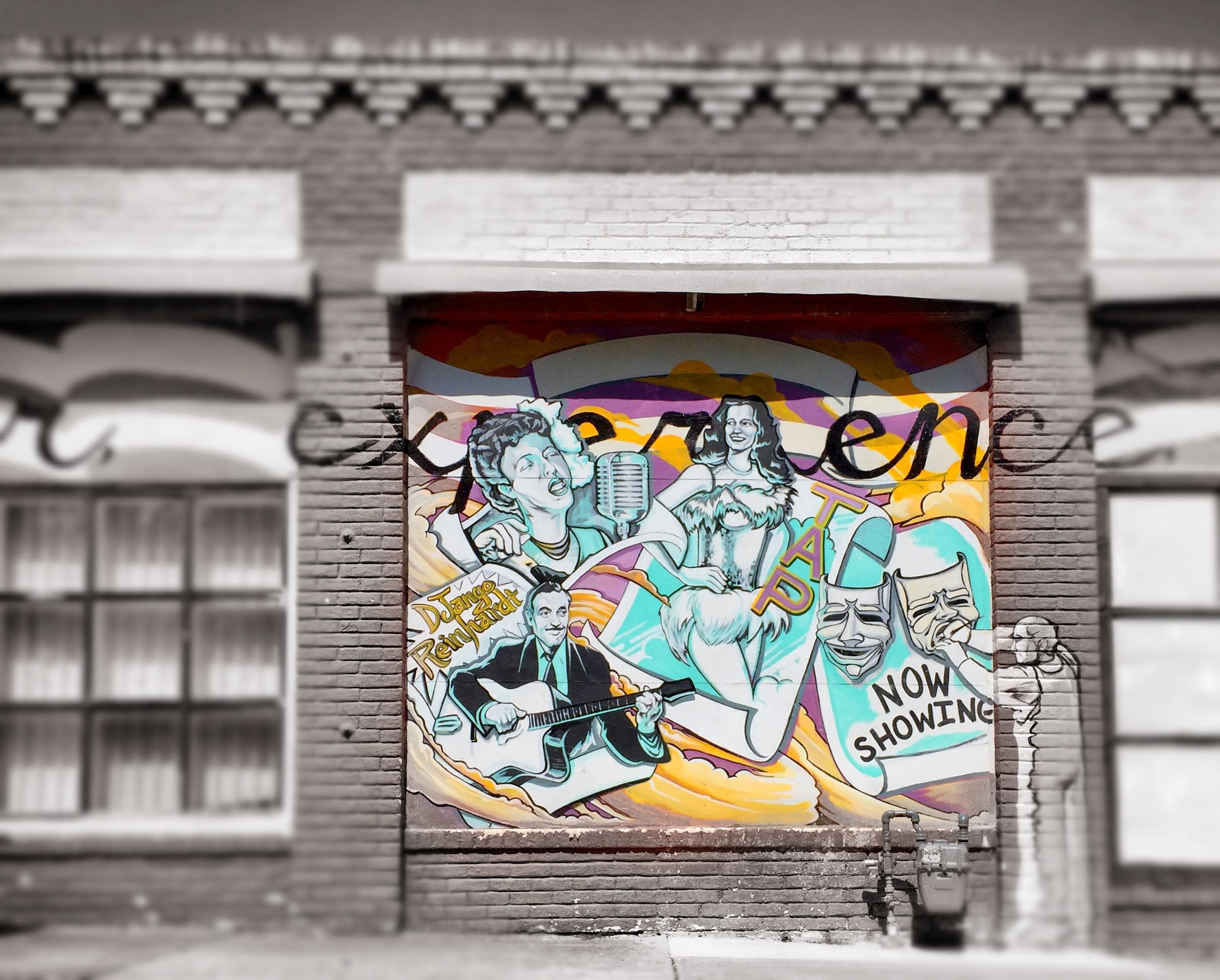 arts-fifth-avenue-mural-walls-that-talk.jpg