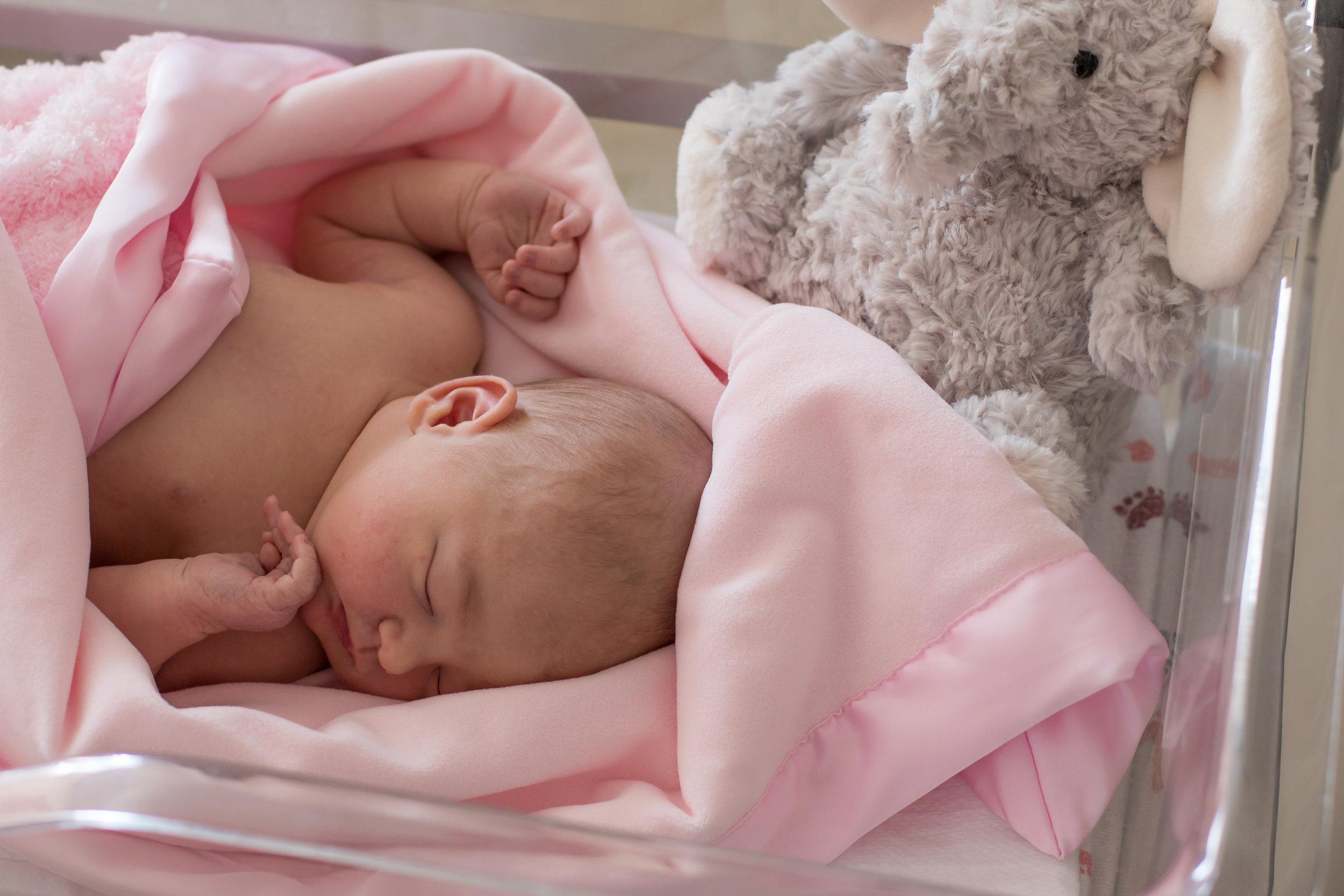 Newborn Hospital Session/Fresh 48- Lena Grey Photography