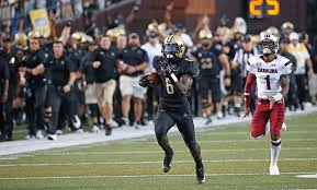 Darrius set the tone with his opening kickoff return