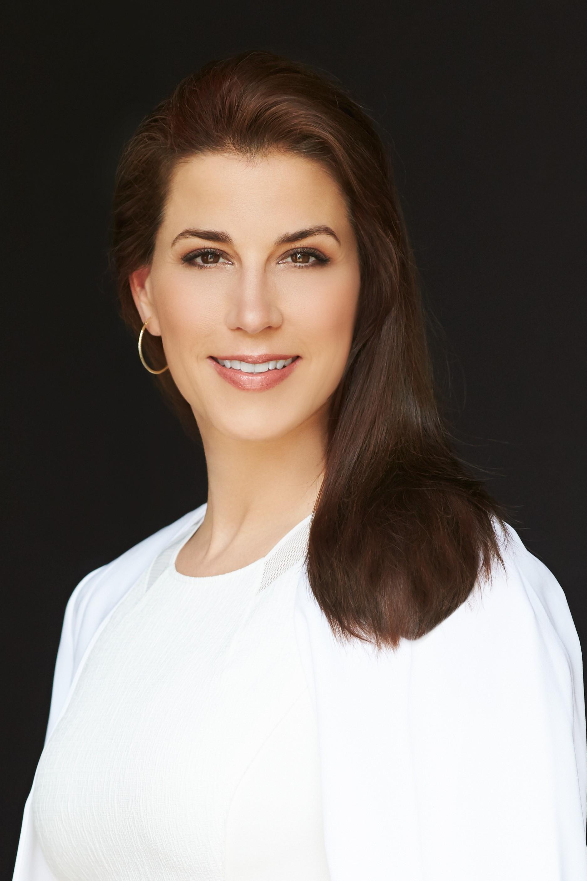 Dale Noelle:  True Model Management