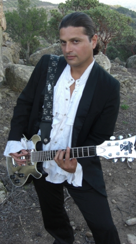 Live Music Restaurant guitarist