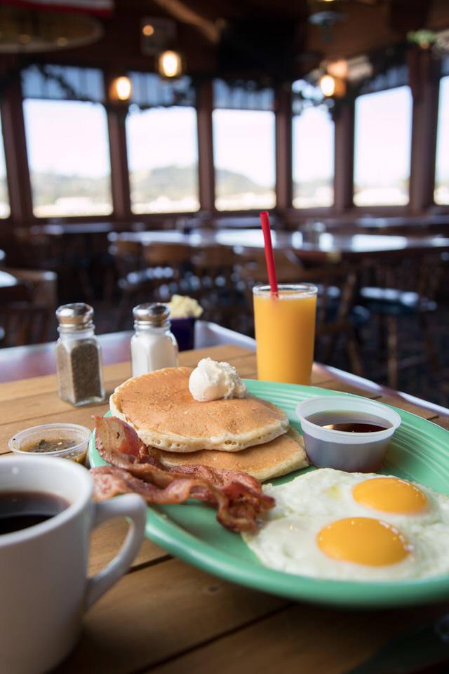 Moby Breakfast-105.jpg