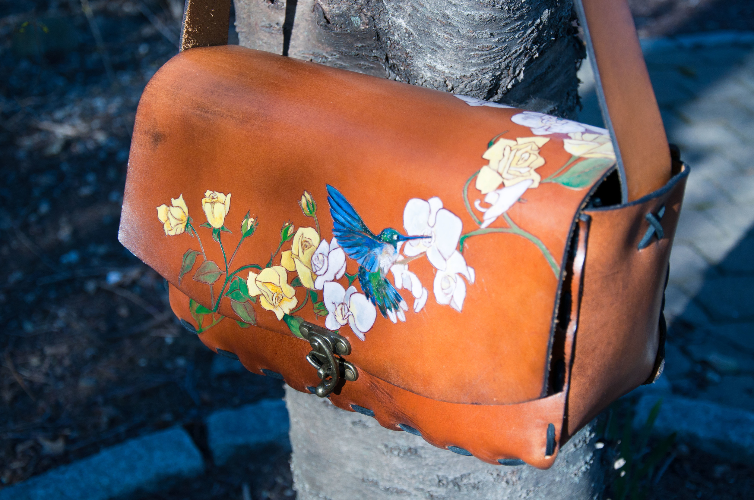 yellow-roses-and-white-orchids-hummingbird-purse-1.jpg
